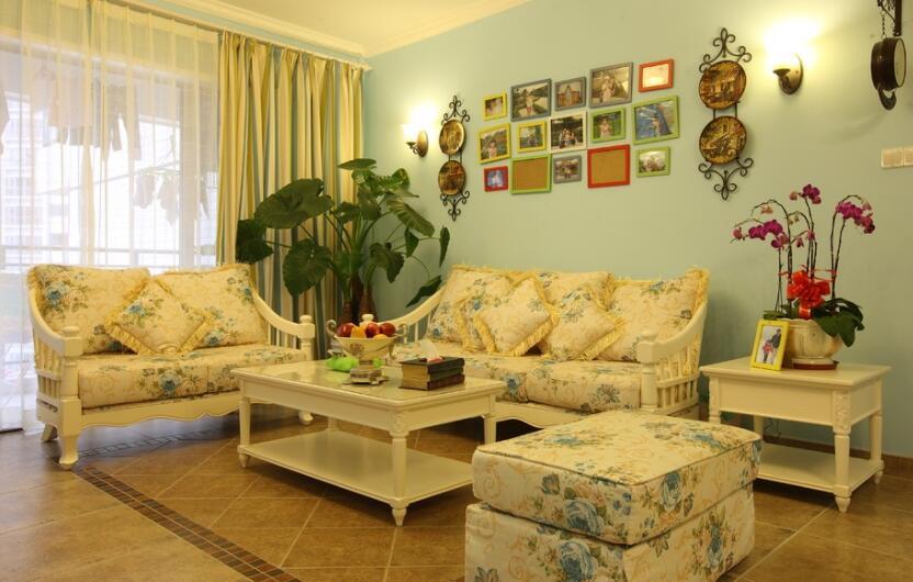 客厅手绘背景墙的植物怎么摆放?