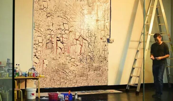 爆裂丙烯墙绘的底色