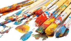 艺术家手上那些画墙绘的笔