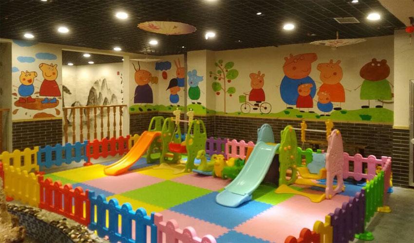 幼儿园室内墙体彩绘壁画